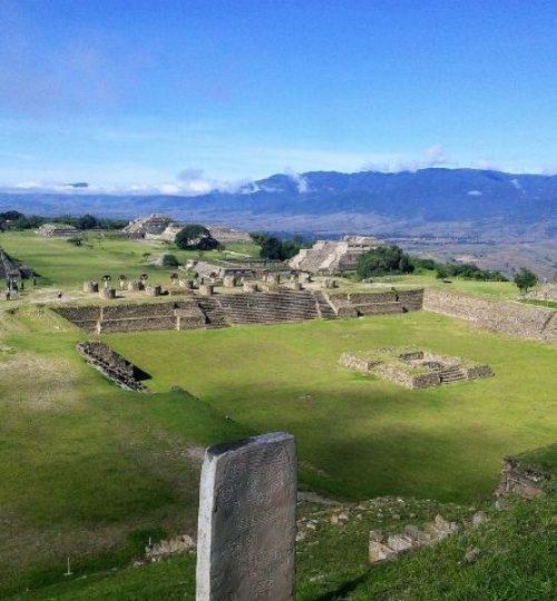 le site zapotèque de Monte Alban, Oaxaca. dernières aventures guide francais mexique