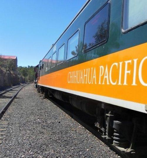 """train """"el Chepe """" qui traverse le Canyon du Cuivre, Chihuahua"""