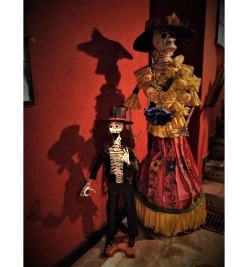 dernières aventures guide francais mexique , décoration de Fête des morts dans un hotel